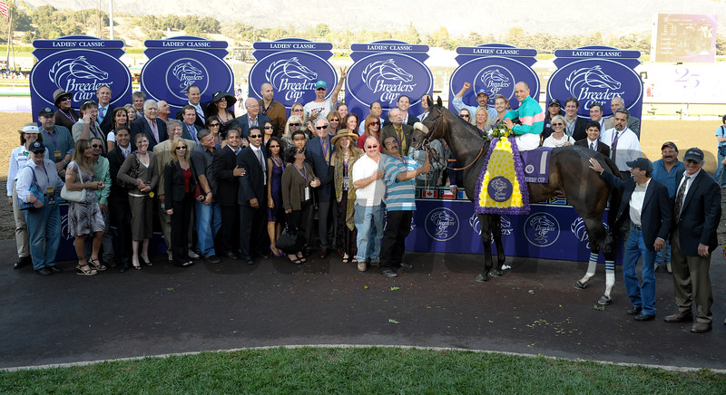 Caption: winners circle with trainer John Shirreffs, Ann and Jerry Moss and Mike Smith<br /> Zenyatta with Mike Smith wins the Breeders' Cup Ladies Classic (gr. I)  on October 24, 2008, at Santa Anita in Arcadia, California.<br /> Race7LadiesClassic  image<br /> Poto by Anne M. Eberhardt