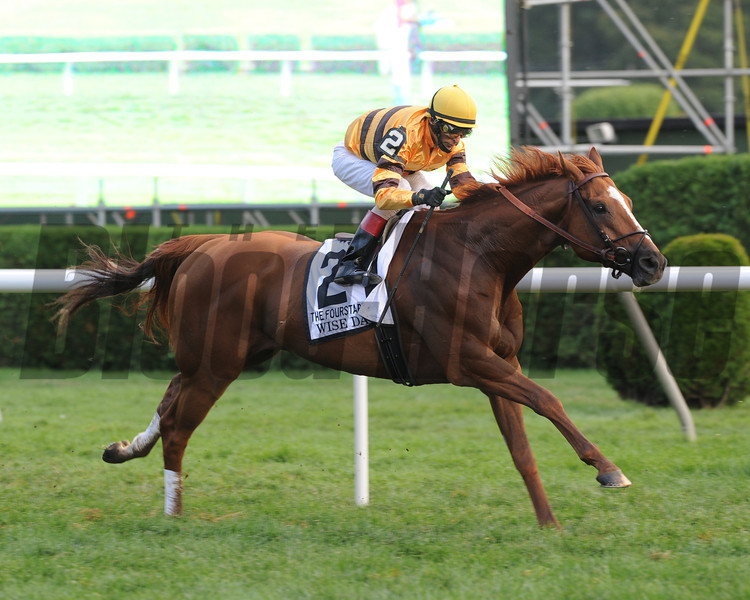 Wise Dan wins the 2012 Fourstardave.<br /> Photo by Coglianese Photos