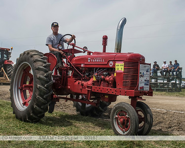 F20150627a111412_6236-McCormick Farmall Super H 1952-settings