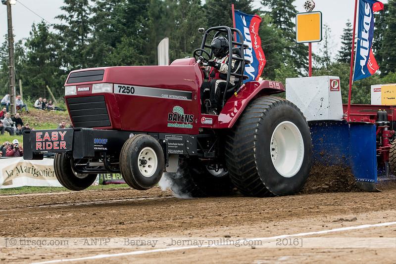F20160604a143414_5135-Case Inter 7250-Easy Rider-parade
