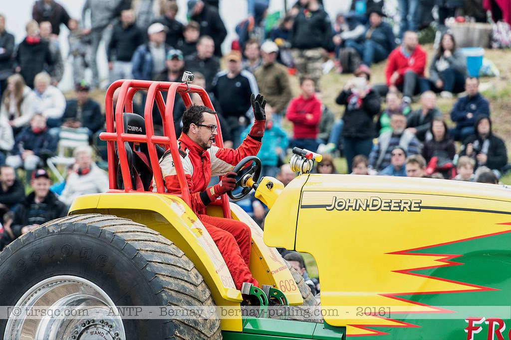 F20160604a140702_5049-Froggy-parade
