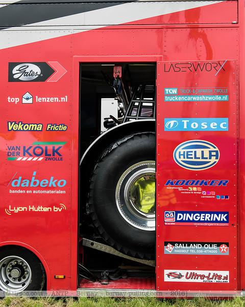 F20160604a112205_0401-camions de transport