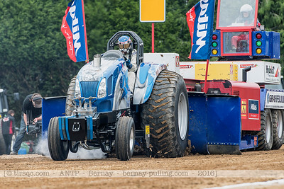 F20160604a141206_5069-New Holland-No Surrender