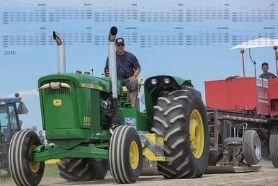 F20150627a131758_6424-16x24-John Deere 5010-modifié-V8
