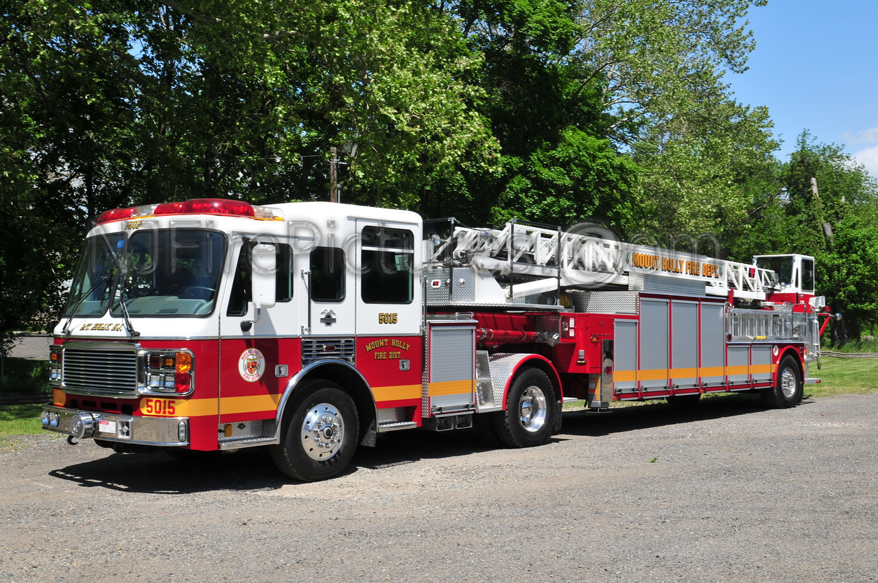 MOUNT HOLLY, NJ LADDER 5015
