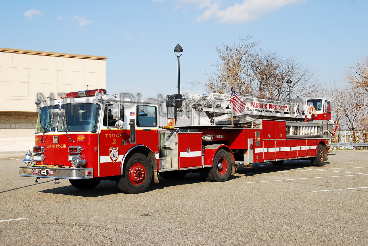 PASSAIC, NJ LADDER 2 - 1989 SIMON DUPLEX/LTI 110' TDA