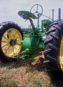 1990TiptonTractor-2