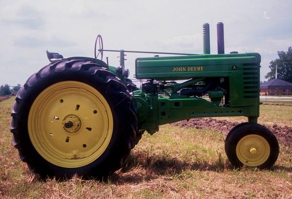 1990TiptonTractor-13