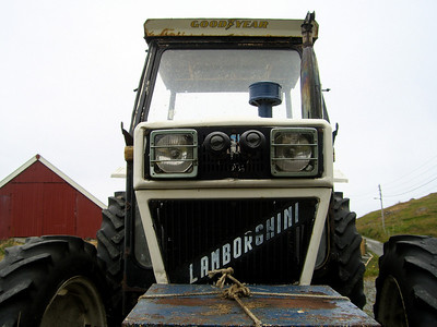 Tractor Travels (Tractors Around the World)