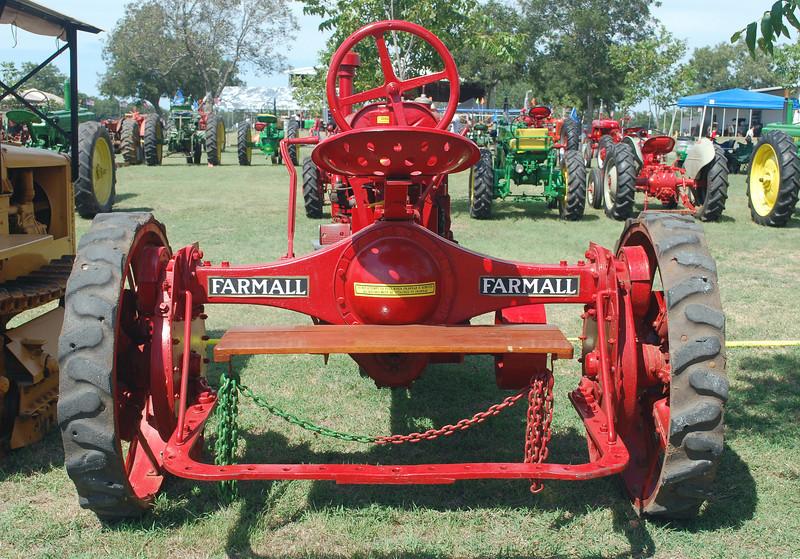 IH Farmall rear