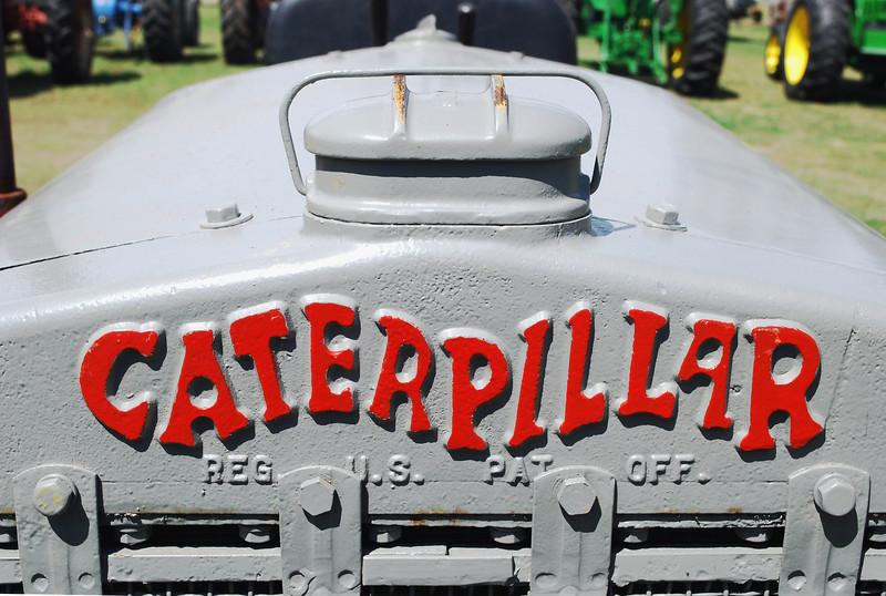 Cat 10 Caterpillar logo