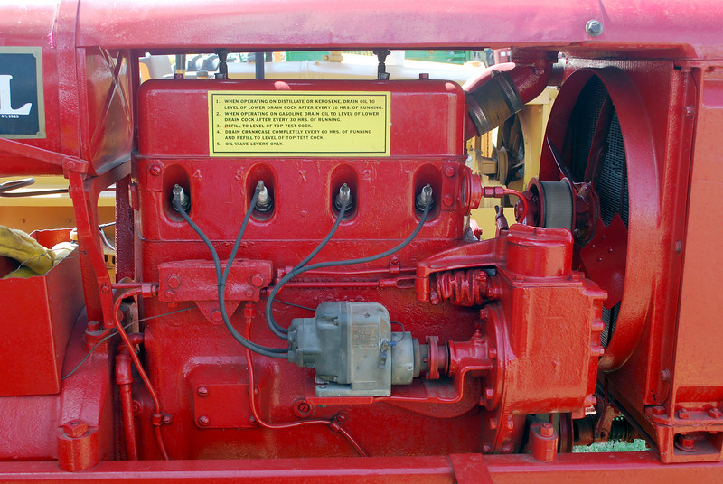 IH Farmall engine