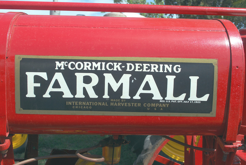 IH Farmall fuel tank rt