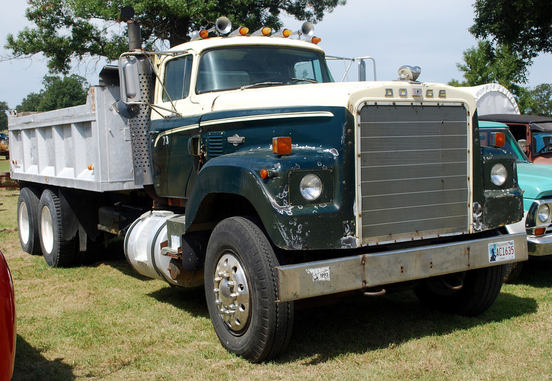 Dodge 950 Diesel Dump Truck ft rt