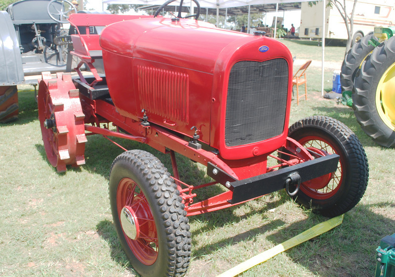 Ford AA Litsinger tractor ft rt