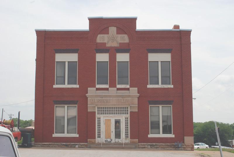 2012-05-06 Pawnee, OK Masonic Lodge ft west