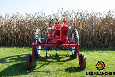 1950 Farmall Cub Hi-Crop