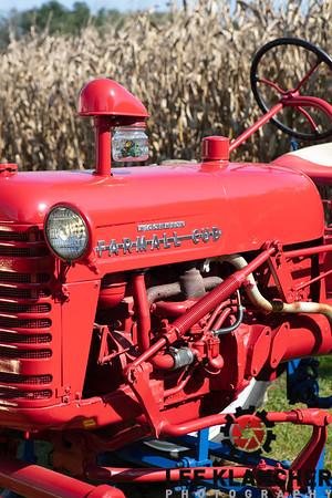 1950 Farmall Cub Hi-Crop