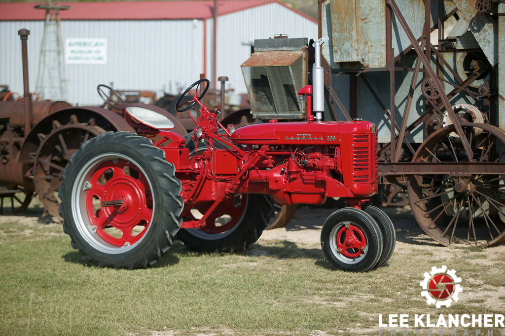 1955 Farmall 200 photographed on the grounds of the American Museum of Agriculture ; restored by Jim Johnson during summer 2007; serial number 9661 JD; J stands for Rockford Clutch; D for 5,000-foot altitude