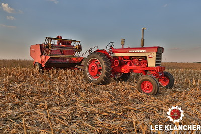 Max Armstrong's Farmall 560 and Model 82 Combine