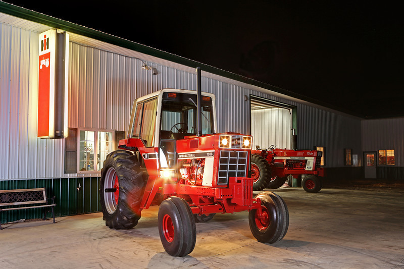 The very first IH 1086 produced--serial number 501. This exact tractor was used by IH for promotions and photo shoots. Beautifully restored and owned by Minnesota collectors Danny Anderson and Bruce Dankers.