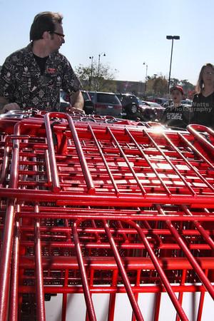 Carlo wrangles more carts for Cowboy Glenn's roundup. IMG_0515_3