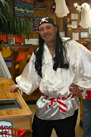 We don't just have pirates, we have singing pirates! Glenn, that Rogaine did a really great job.