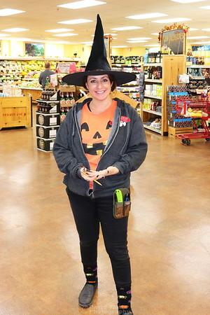 Marissa Halloween 2018 Store 680
