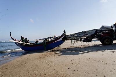 Arte Xavega 1. levar o barco até ao mar