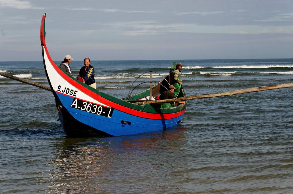 Arte Xavega<br /> 5. a chegada à praia