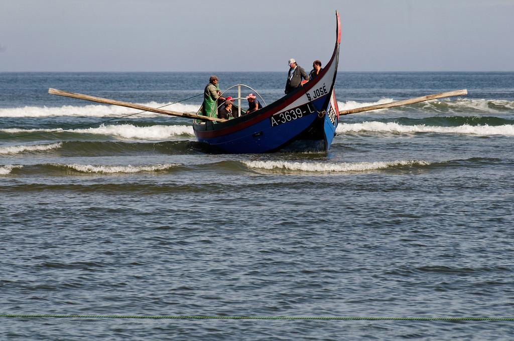 Arte Xavega<br /> 5. a chegada do barco