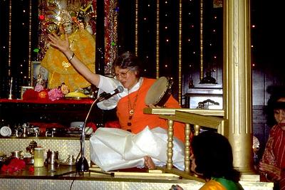 Guru Maa Singing Devotion to Hanuman (Hempstead, NY)