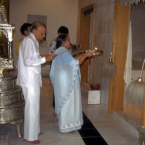 Jain Worshippers Performing Arati (Bartlett, IL)