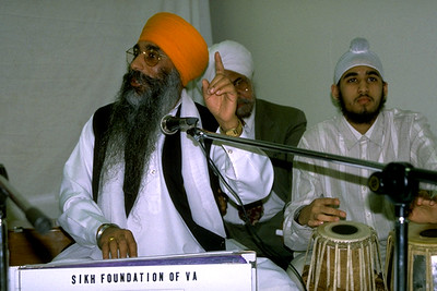 Granthi Singing Kirtan at the Sikh Foundation of Virginia (Fairfax, VA)