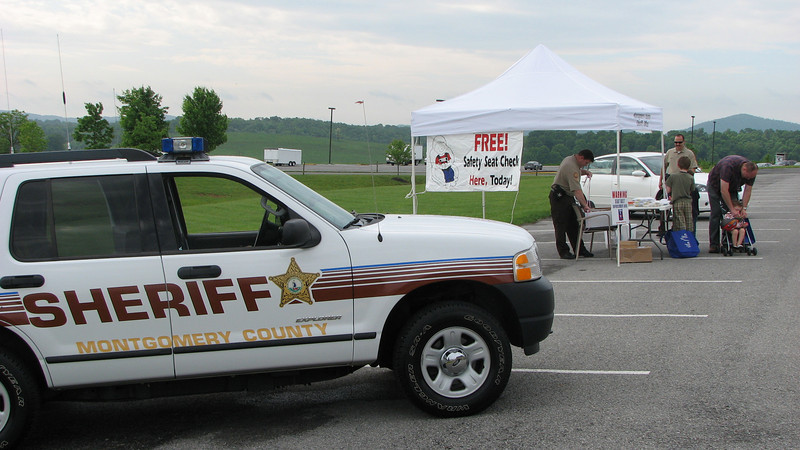 Montgomery County Sheriff's Office --  Child Safety Seat Check  <br /> (2009-05-16)