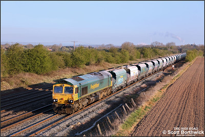 66618 passes Cossington whilst powering 6D44 0412 Tunstead Sdgs-Elstow Redland Sdg on 19/04/2021.