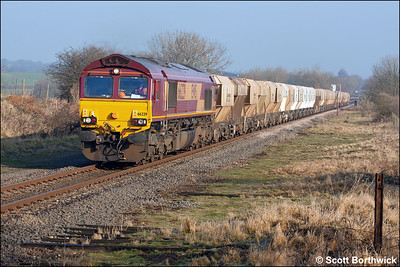66229 is almost 2 hours late as it passes Glendon Sidings on 28/01/2006 with 6C32 0803 Mountsorrel Sdgs-Elstow. The train was running via Corby due to engineering works on the Midland Main Line at Market Harborough.