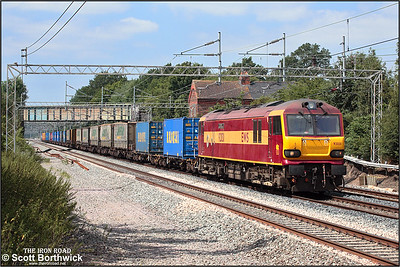 92031 'The Institute of Logistcs and Transport' passes Cathiron whilst working 4A07 Trafford Park-Wembley EFOC on 16/07/2005.