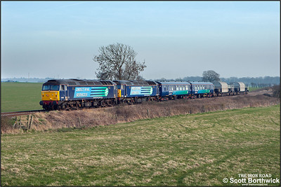 57009+57012 approach Abbotswood Junction whilst working 6Z67 1509 Avonmouth National Power Silo No1-Crewe Coal Sdgs on 13/03/2013.