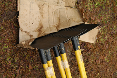Lamberton rakes! Put one of these in my currently most desired hand tool list. I'll take a 12X9, por favor.