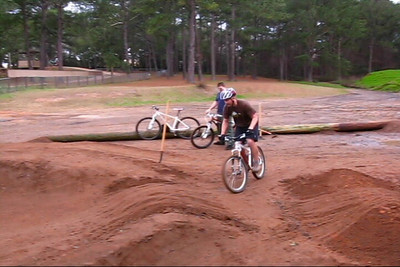 JC demos Pump Track Hans.