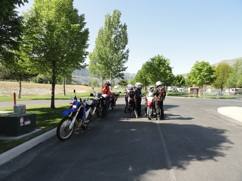 Saturday May 12th. We have 11 riders. We are starting the day off at Beebe Bridge Park where everyone has camped.