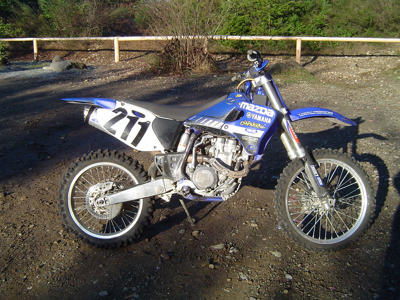 Starting the big bore Yamee is a different story. Jason's YZ 426F.