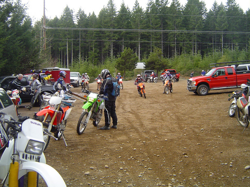 Starting off the morning at the Mission Creek Trailhead. There are a whopping 13 riders in our group.