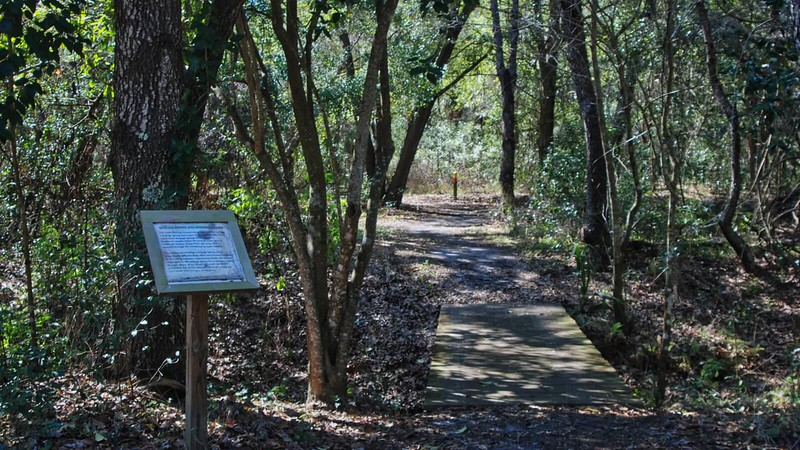 Oakland Nature Preserve Uplands Nature Trails