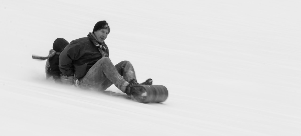 Mono version of the other sledding  photo.