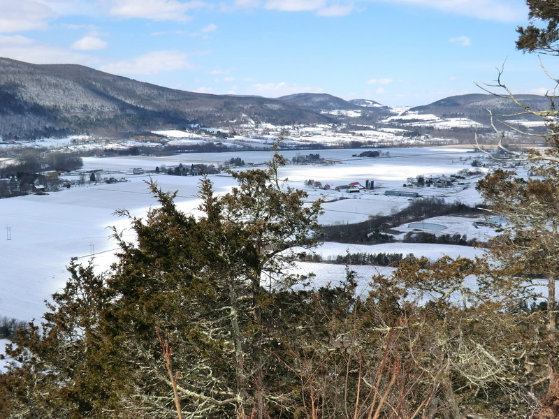 View north from the Middleburgh Cliffs (3/21/13).