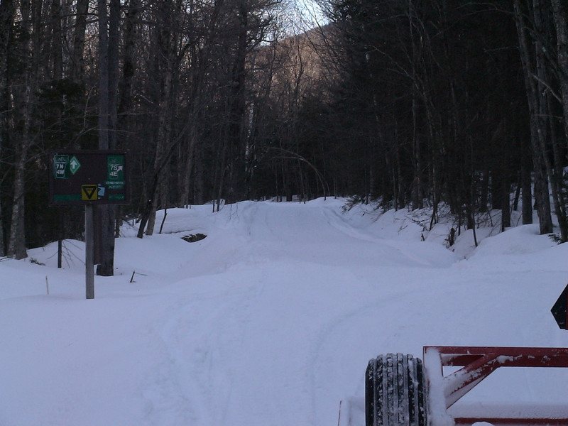 The intersection of the Hudson and Tin Santy Trails RD672