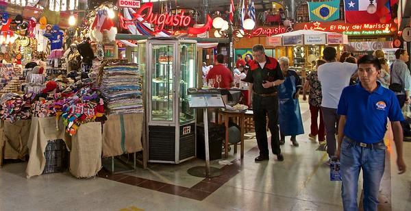 Mercado Central interior.