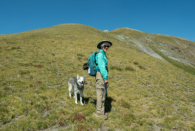 Sue and Keetna at the start of the climb up Long Trek